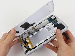 Clean LCD Connector Of Android Phone